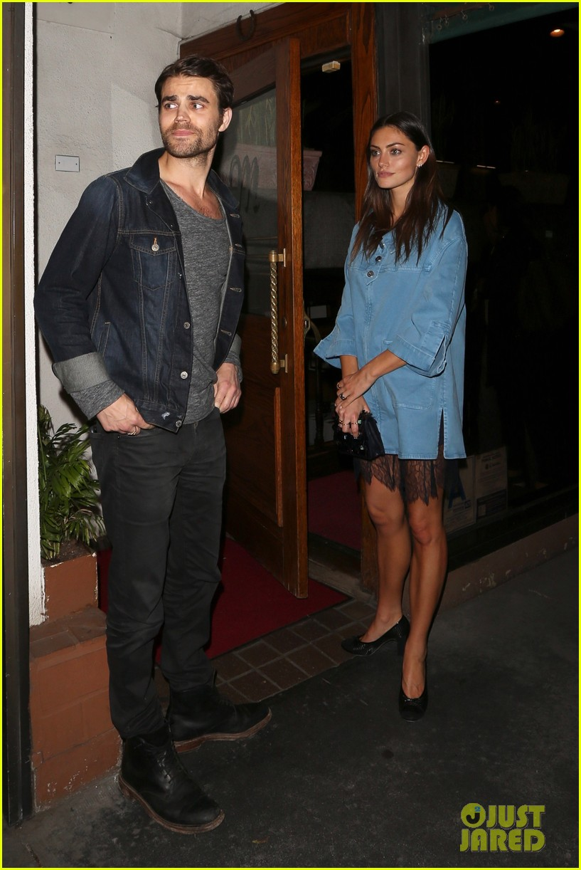exes paul wesley and phoebe tonkin reunite for dinner in weho3 043883747