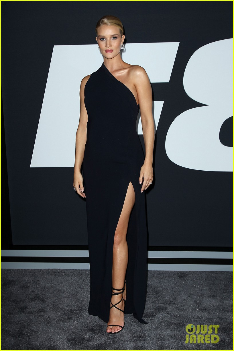 rosie huntington whiteley supports jason statham at fate of the furious premiere2 113884042