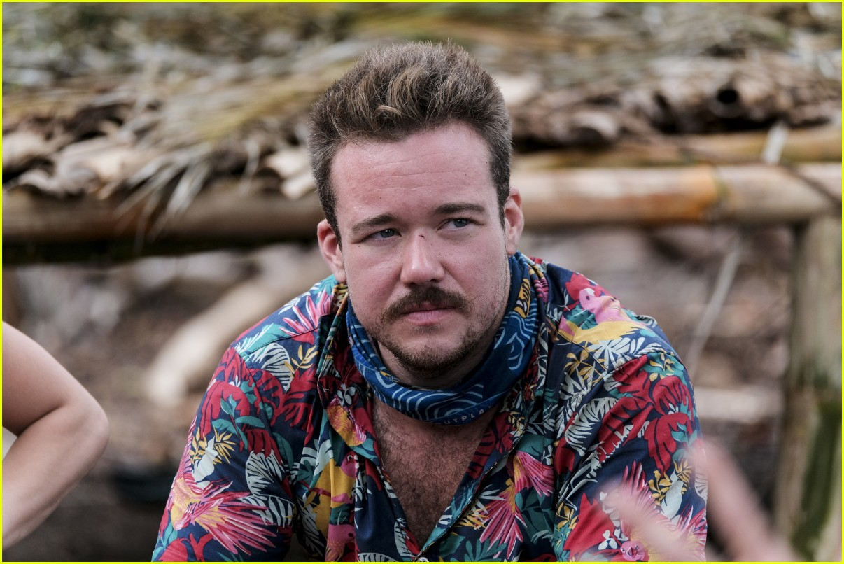 zeke smith outed transgender survivor 013885159