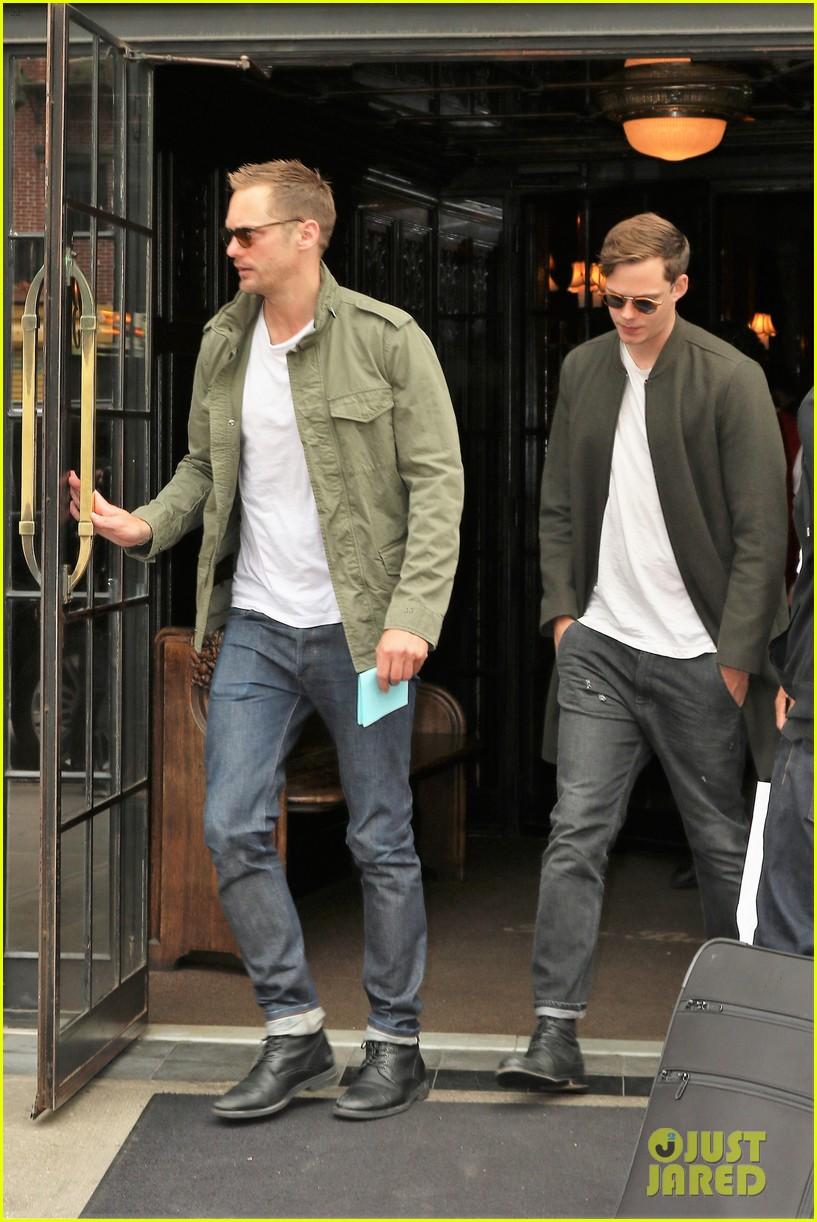 Brothers Alexander & Bill Skarsgard Spend Time Together ...
