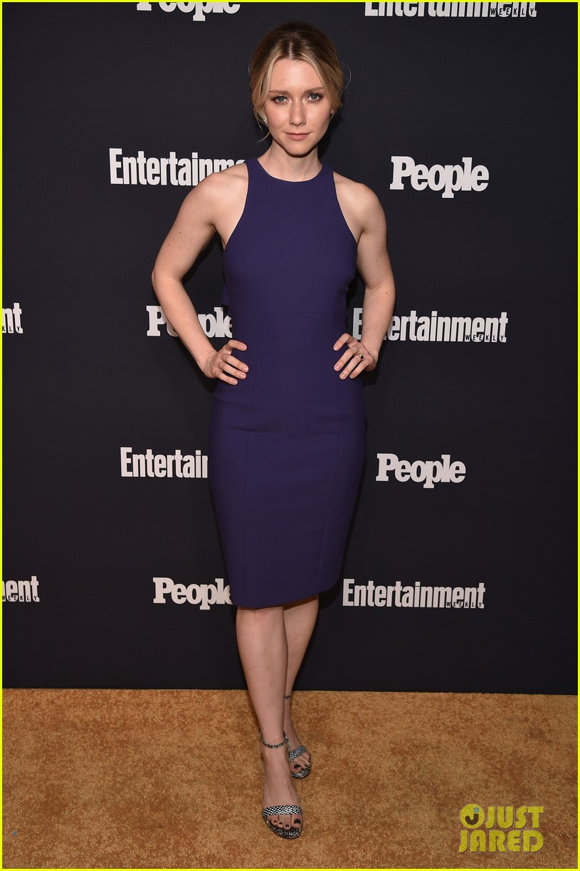 jaimie alexander rocks big hair at ew peoples upfronts party 083899632