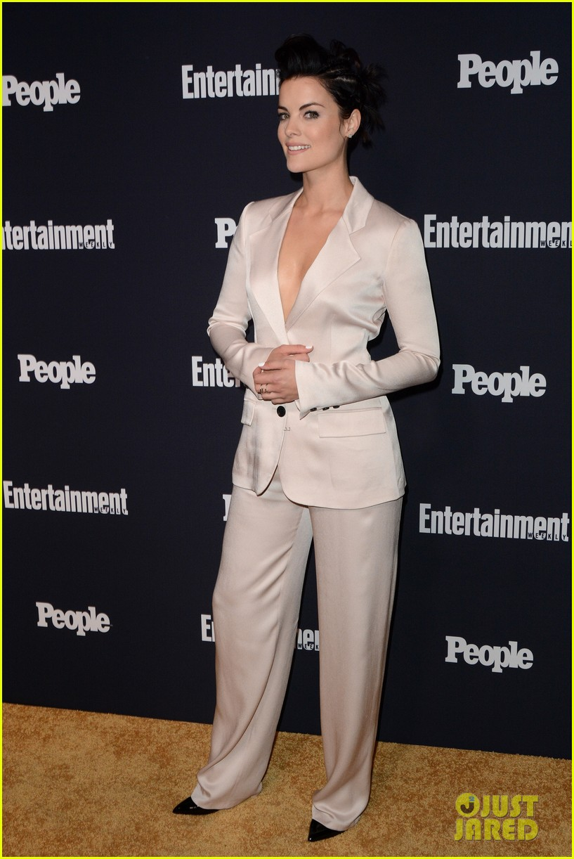 jaimie alexander rocks big hair at ew peoples upfronts party 193899643