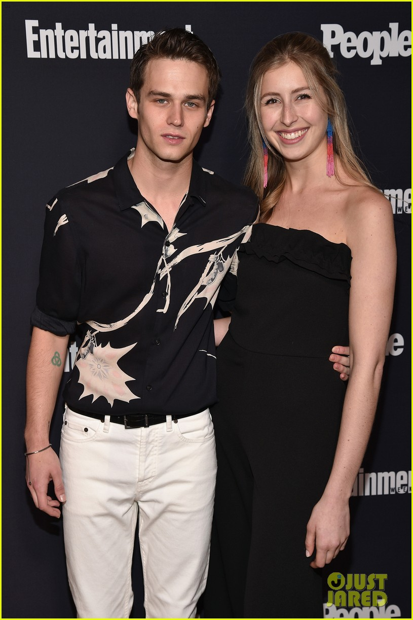 rise 13 reasons why riverdale ew people upfronts party 043899475