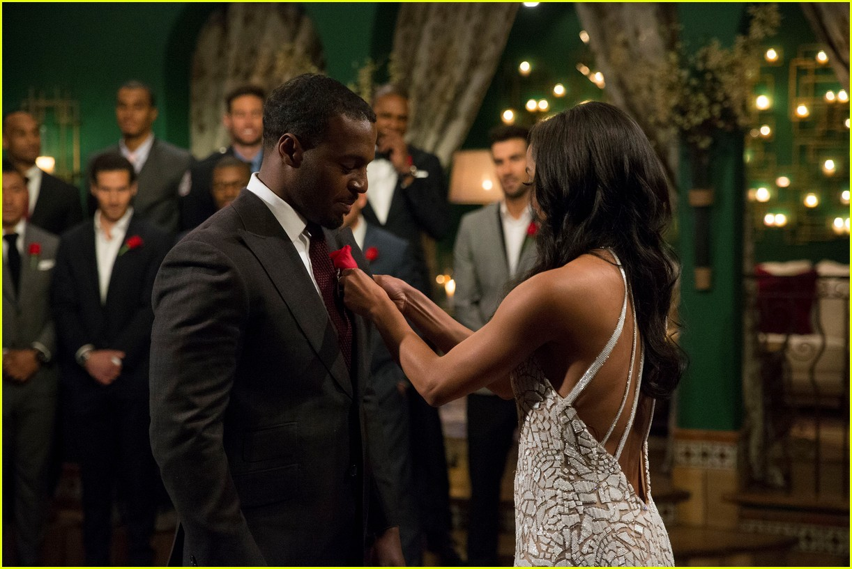 the bachelorette contestant girlfriend shows up 083906895