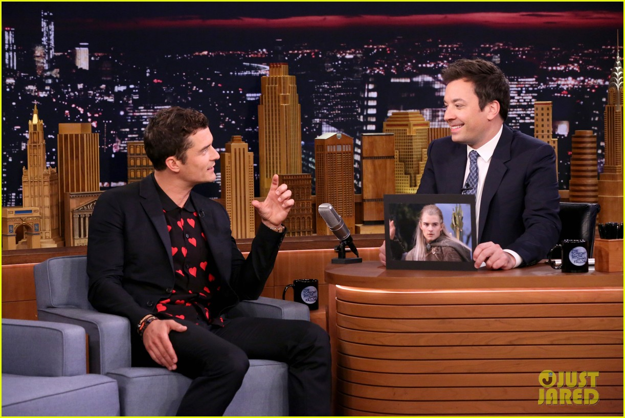 orlando bloom faces off against jimmy fallon on the tonight show 013905383