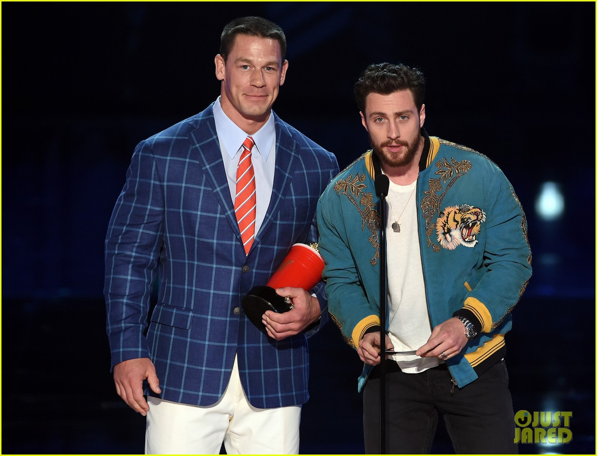 john cena aaron taylor johnson mtv awards 043896366