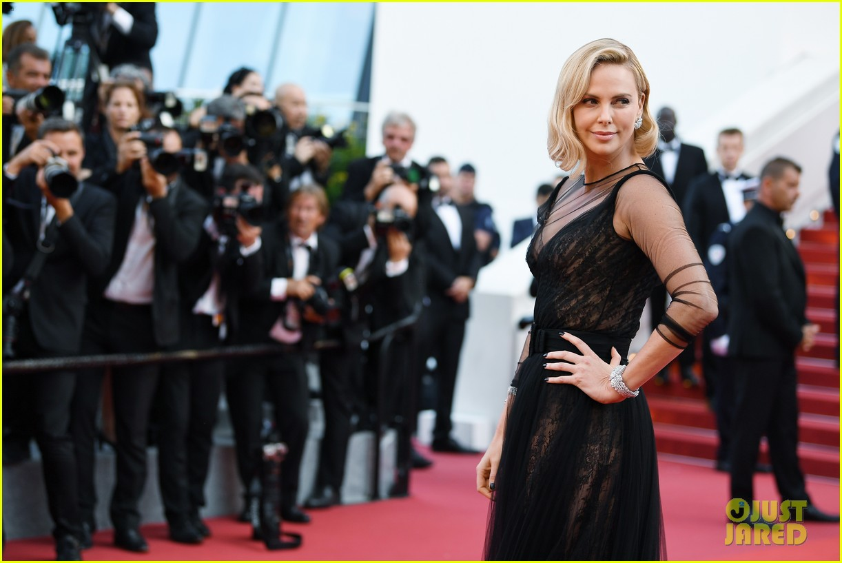 Charlize Theron amazed fans with her new look 09/27/2016 40