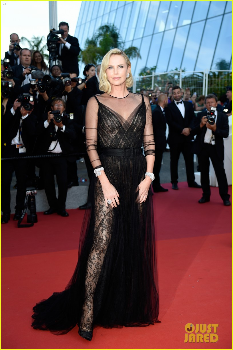 Charlize Theron amazed fans with her new look 09/27/2016 65