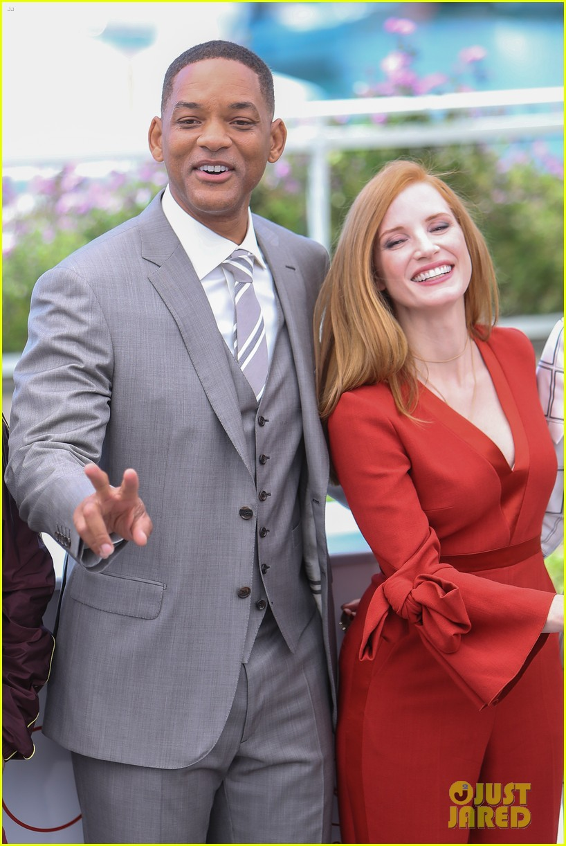 will smith jessica chastain cannes jury photo call 033900185