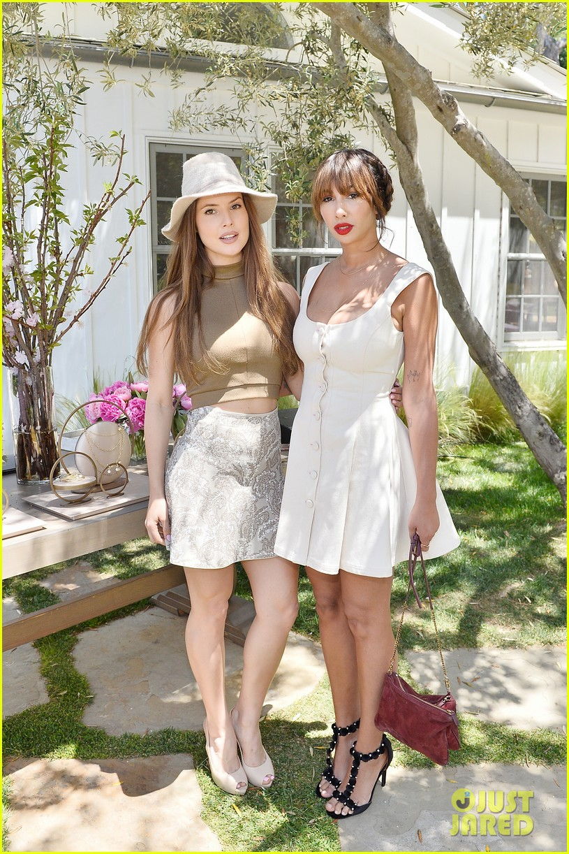 Cindy Crawford & Daughter Kaia Gerber Host Best Buddies Mother's ...