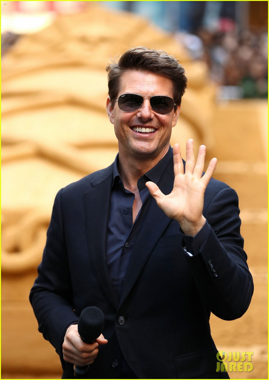 tom cruise says working on the mummy was an unforgettable experience 203904106