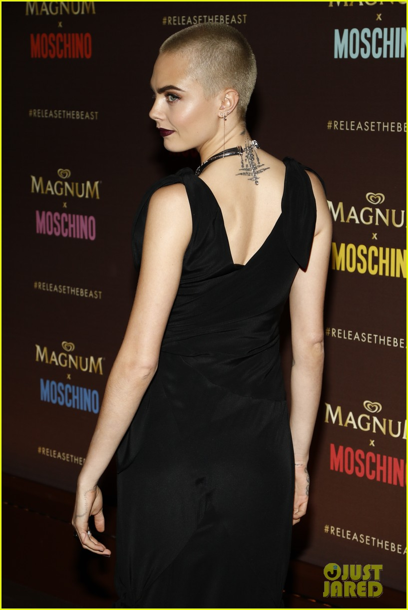 cara delevingne gushes about angelina jolie and directing dreams 043901551