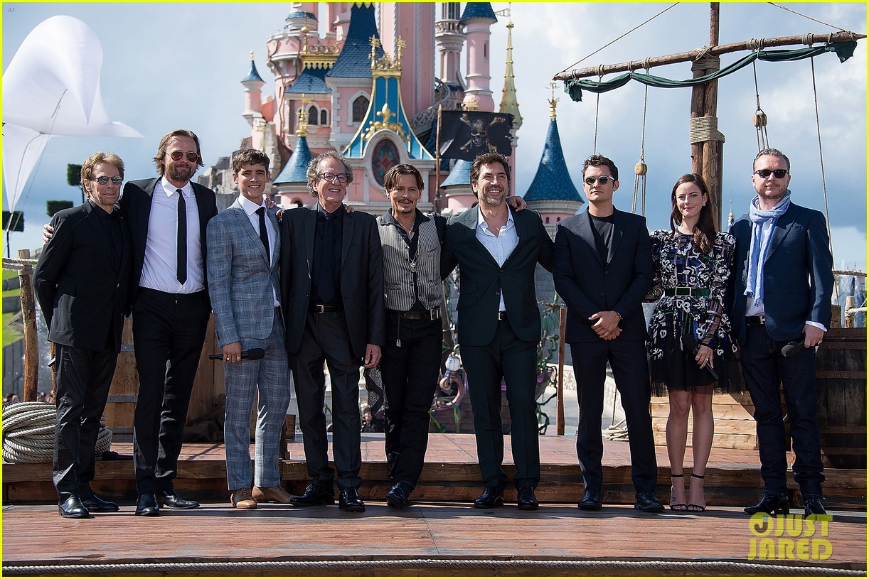 johnny depp orlando bloom javier bardem bring pirates of the caribbean to paris 013898943