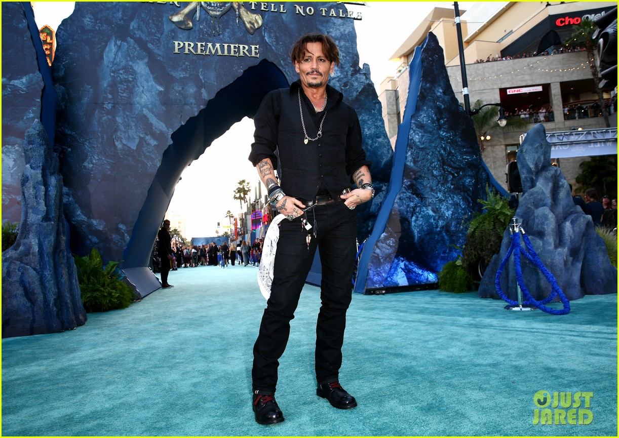 johnny depp orlando bloom premiere pirates in hollywood 103901313