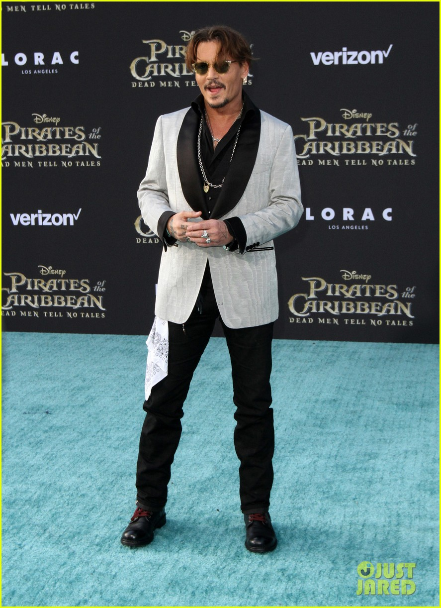 johnny depp orlando bloom premiere pirates in hollywood 153901318
