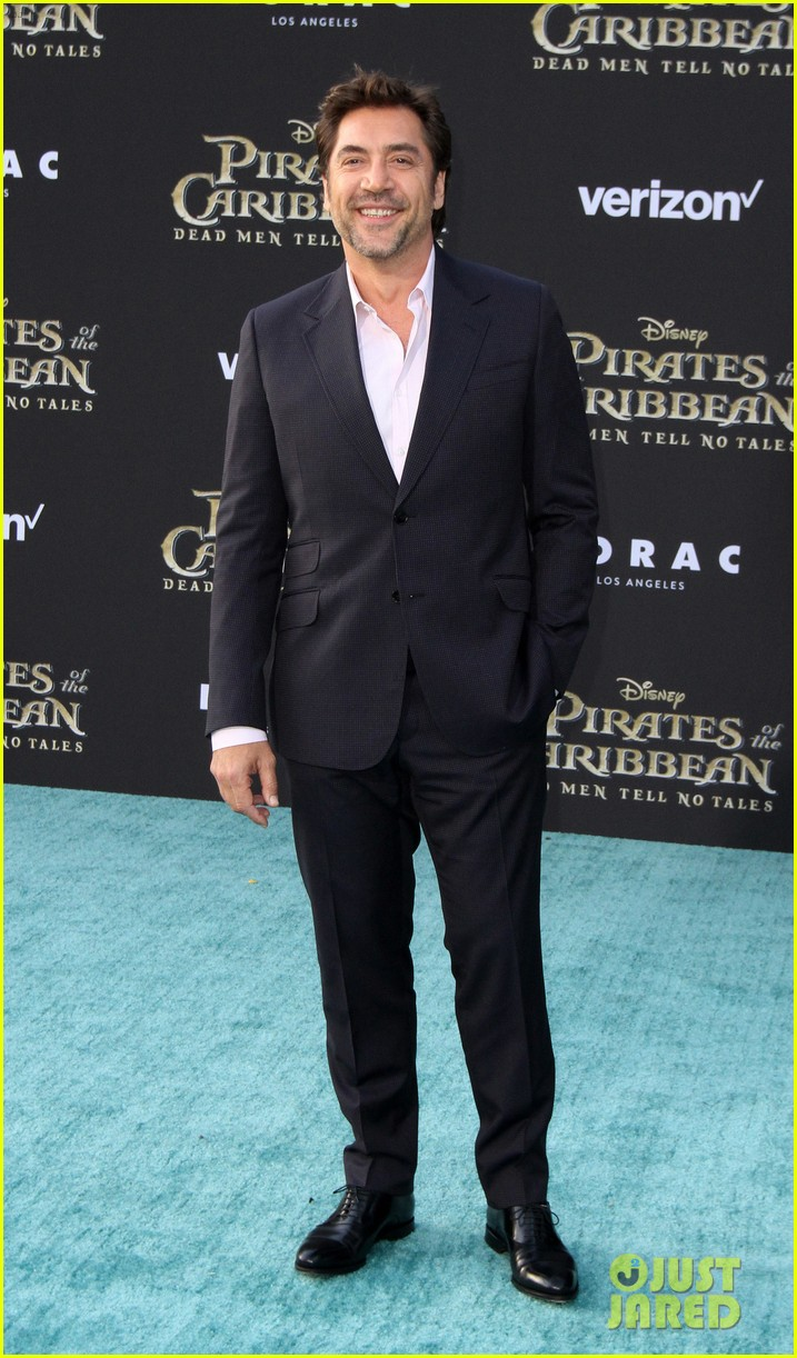 johnny depp orlando bloom premiere pirates in hollywood 183901321