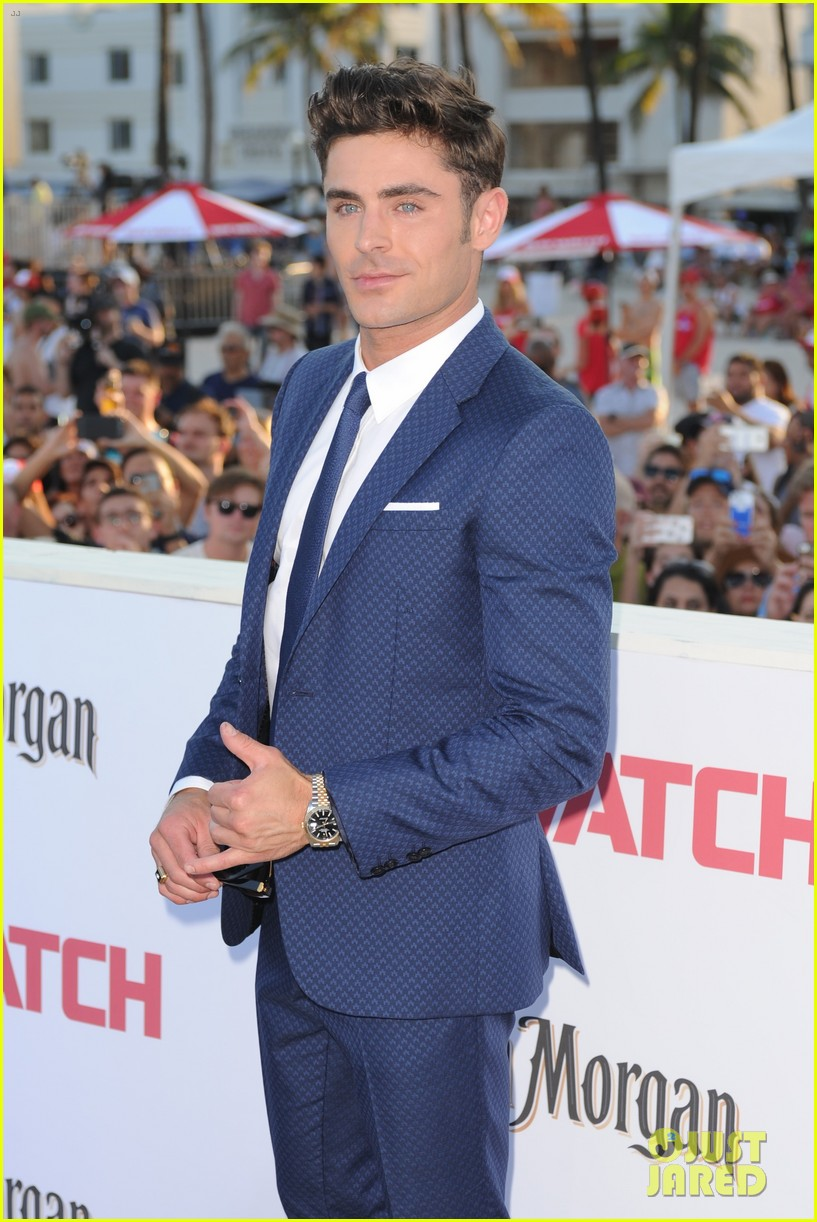 zac efron suits up for the baywatch premiere in miami013898508