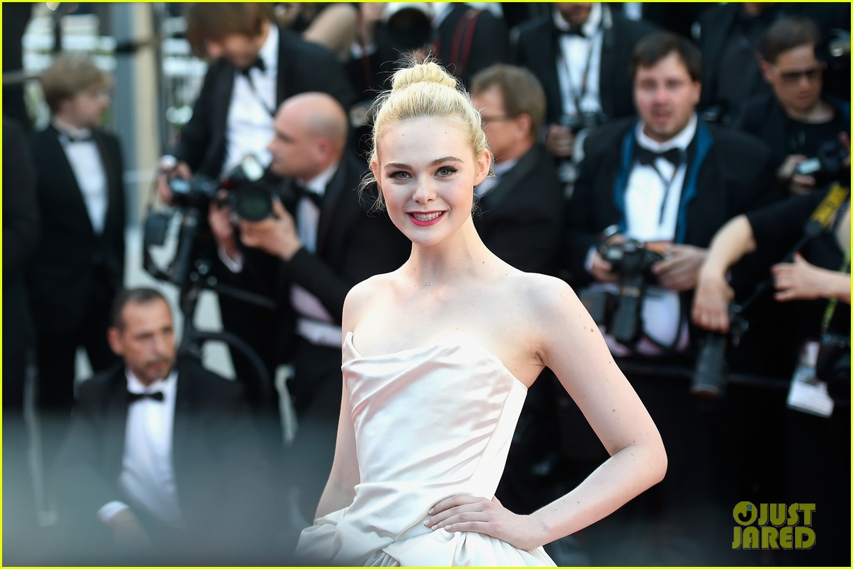 elle fanning dress details lily rose depp cannes opening ceremony 013900397