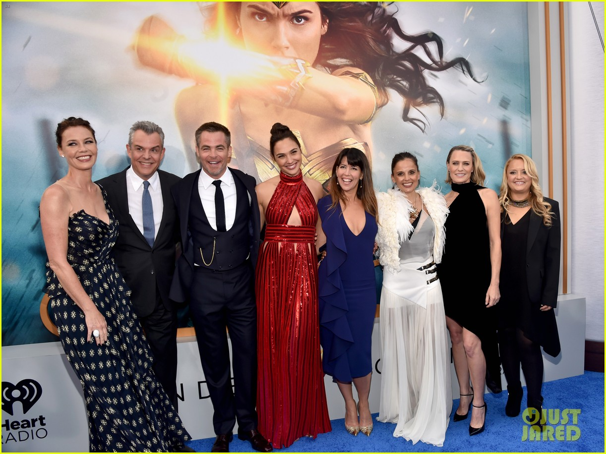 gal gadot chris pine and robin wright premiere wonder woman in hollywood 043905850