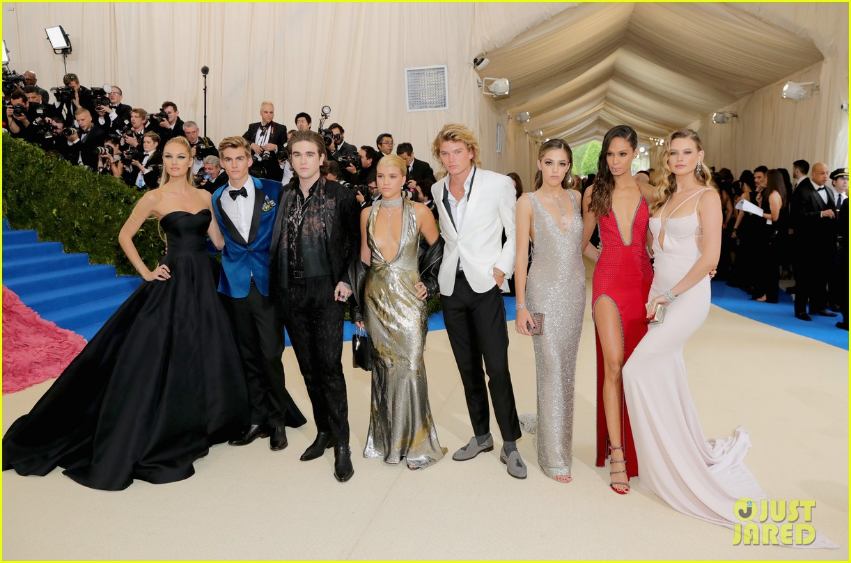 presley gerber jordan barrett and gabriel kane day lewis are met gala 2017 hotties 023893676