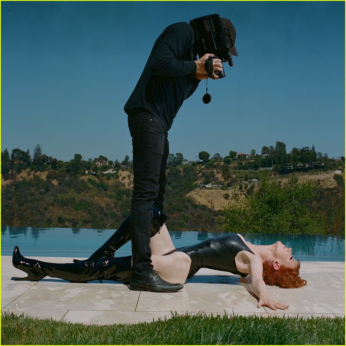 kathy griffin beheads donald trump in graphic photo shoot 033907113