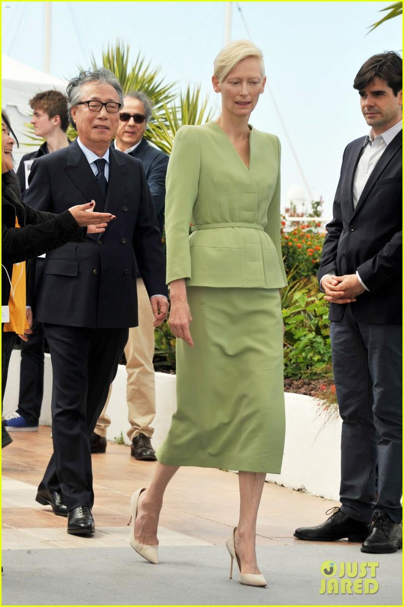 jake gyllenhaal tilda swinton lily collins debut okja at cannes film fest 133901367