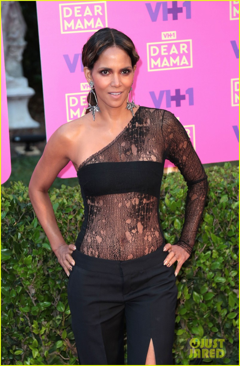 halle berry vh1 moms event 043895941