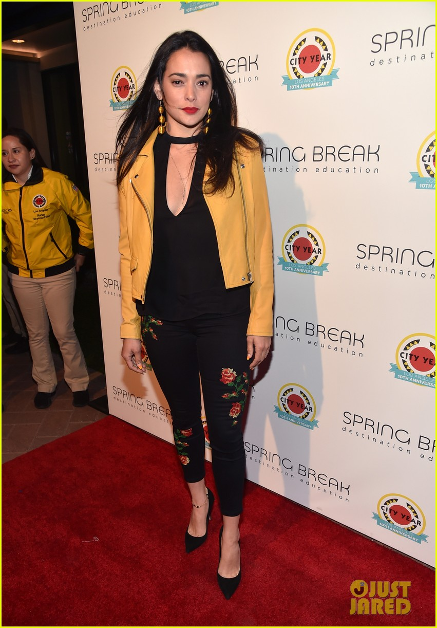 liam hemsworth joey king step out at annual city year la spring break event 113896037