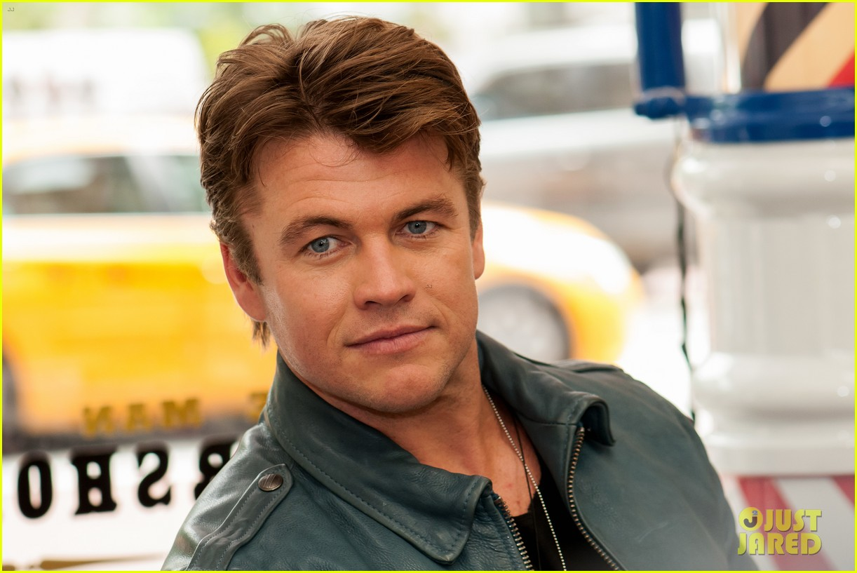 luke hemsworth shows off his hair of confidence 043897796