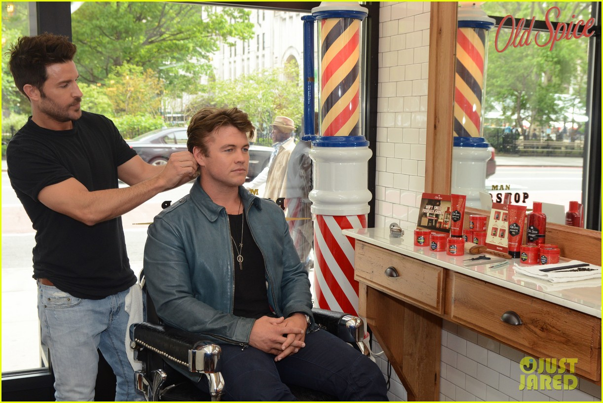 luke hemsworth shows off his hair of confidence 193897811