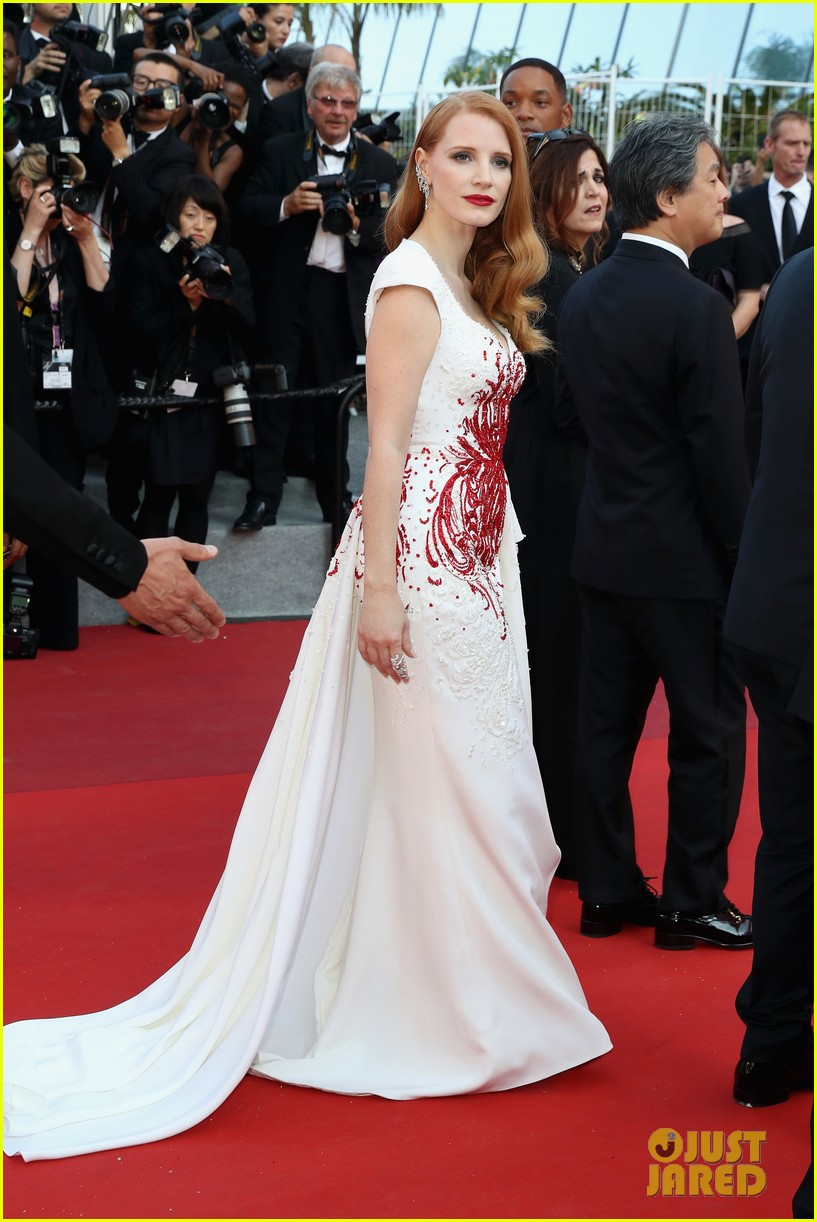 jessica chastain 2017 cannes closing 103906639