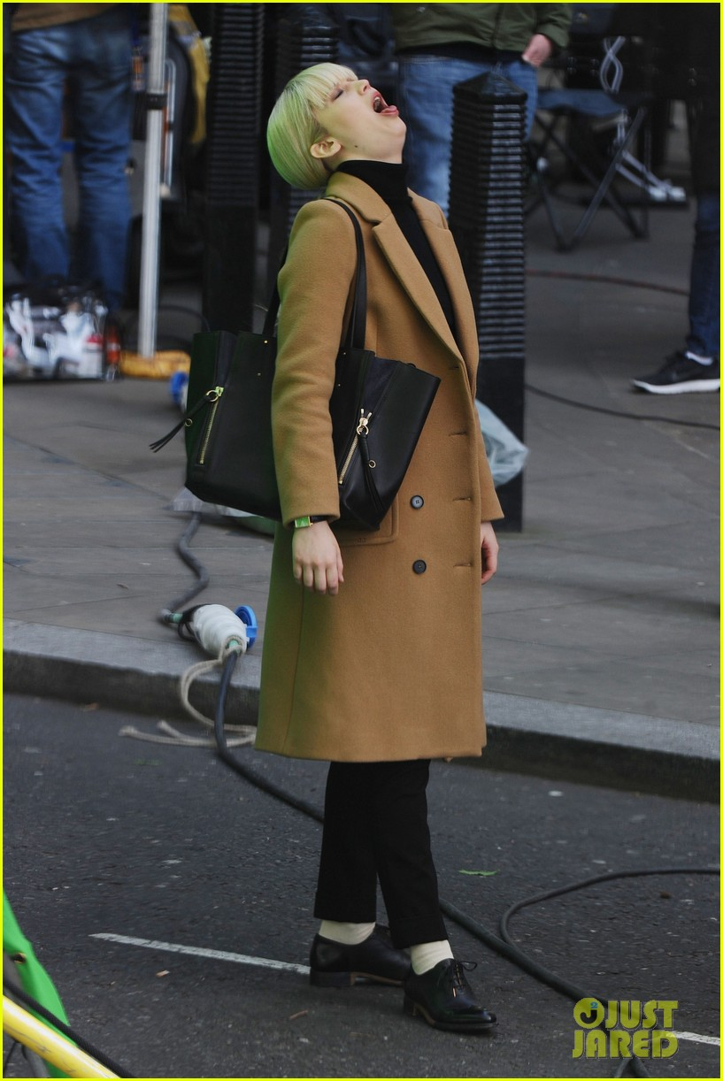 jennifer lawrence gets into character on red sparrow set 013896051