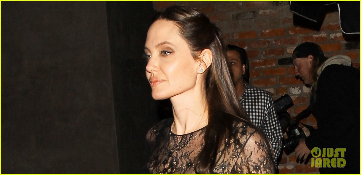 angelina jolie dinner mothers day 053898853
