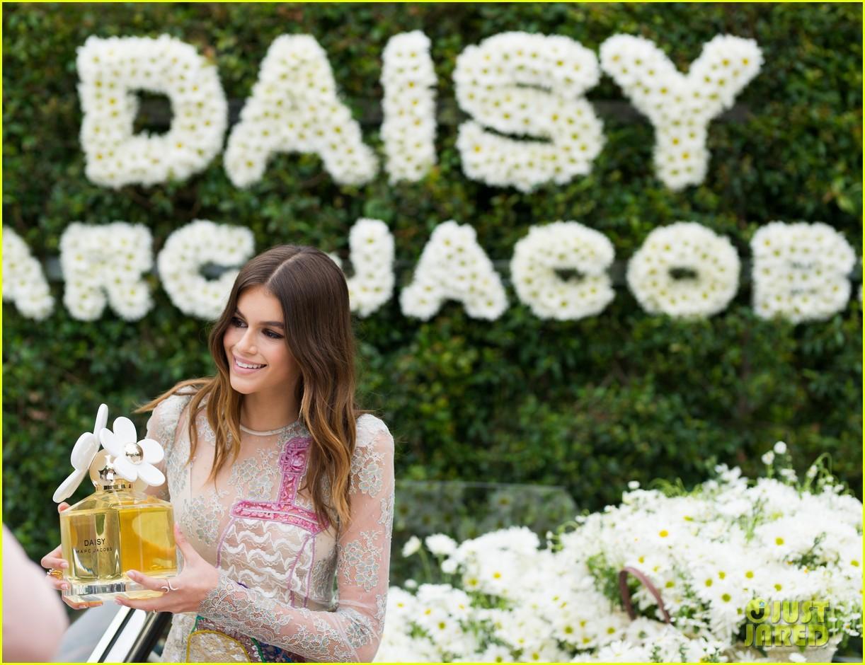 kaia geber marc jacobs daisy fragrance launch 243897333