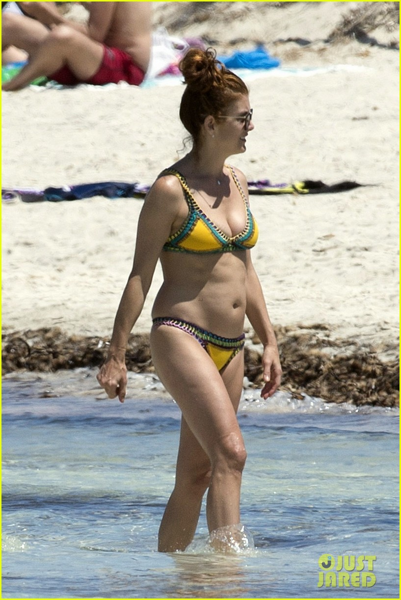 kate walsh rocks a bikini in spain 033901831