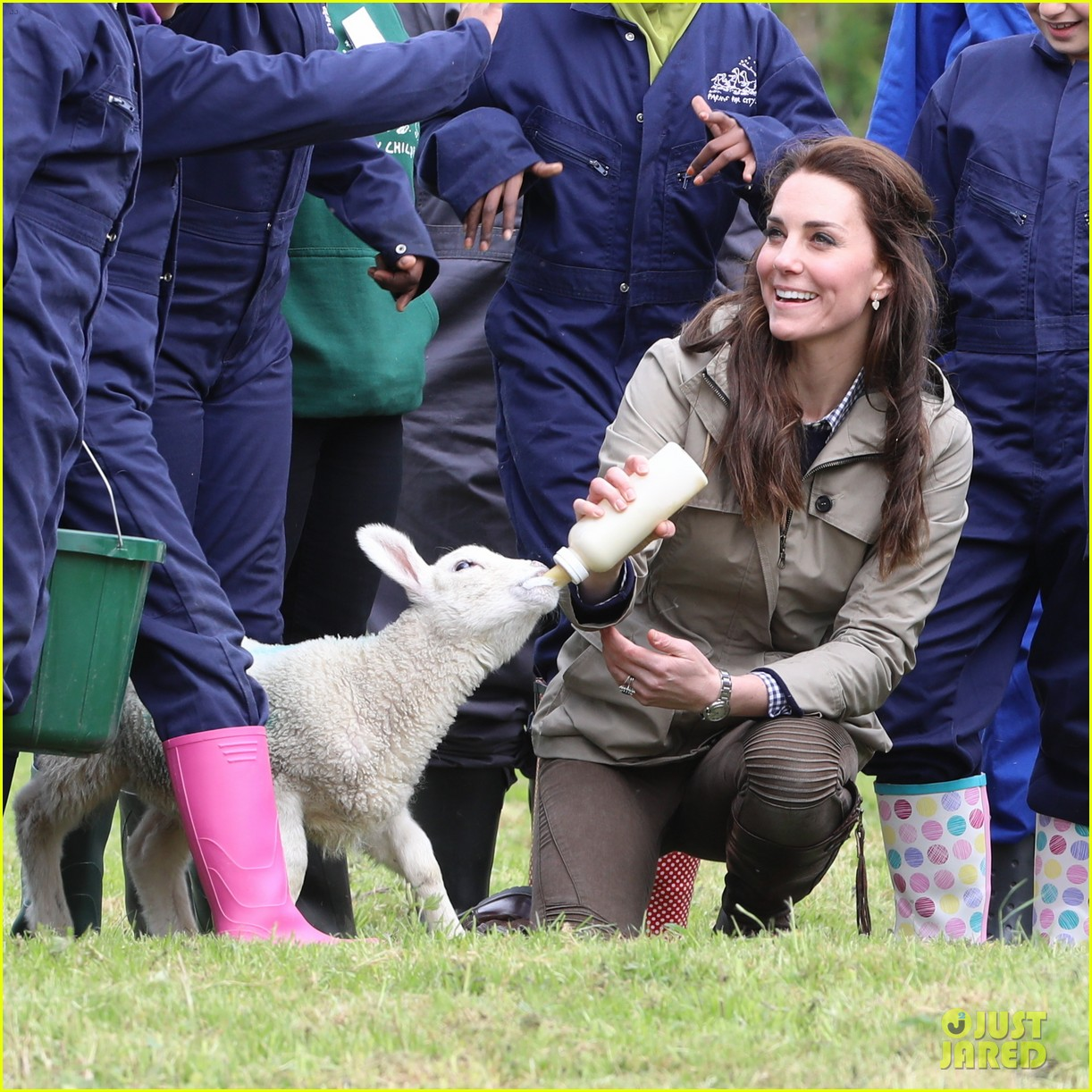 kate middleton feed baby lambs farms for children visit 033894783