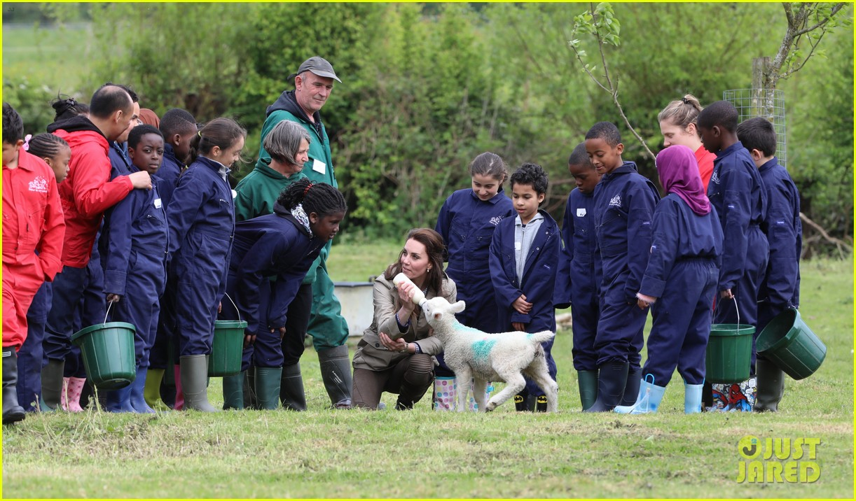 kate middleton feed baby lambs farms for children visit 153894795