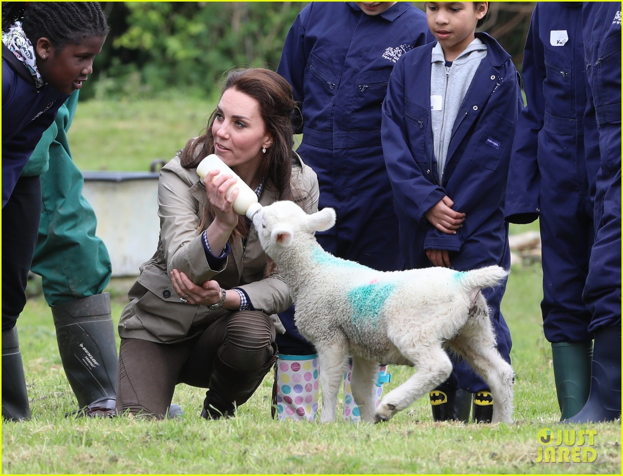 kate middleton feed baby lambs farms for children visit 173894797