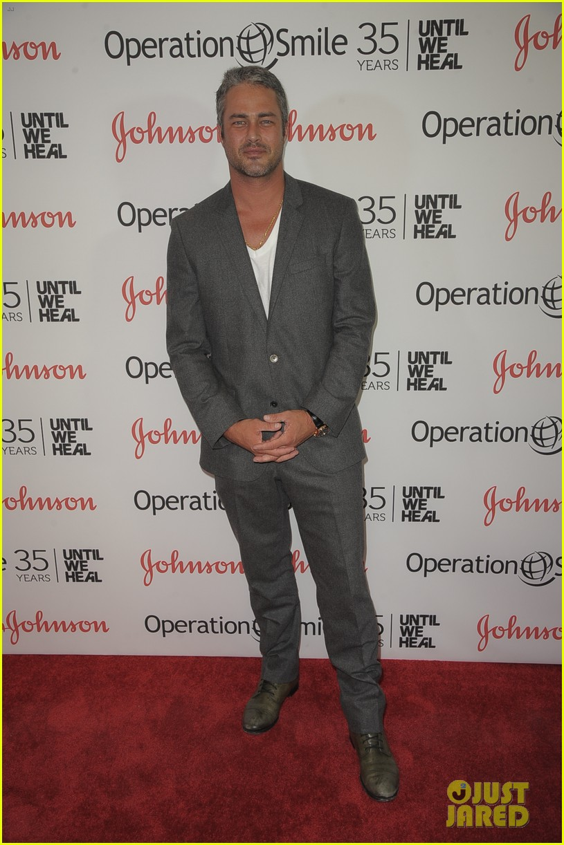 taylor kinney zachary levi operation smile 053901710