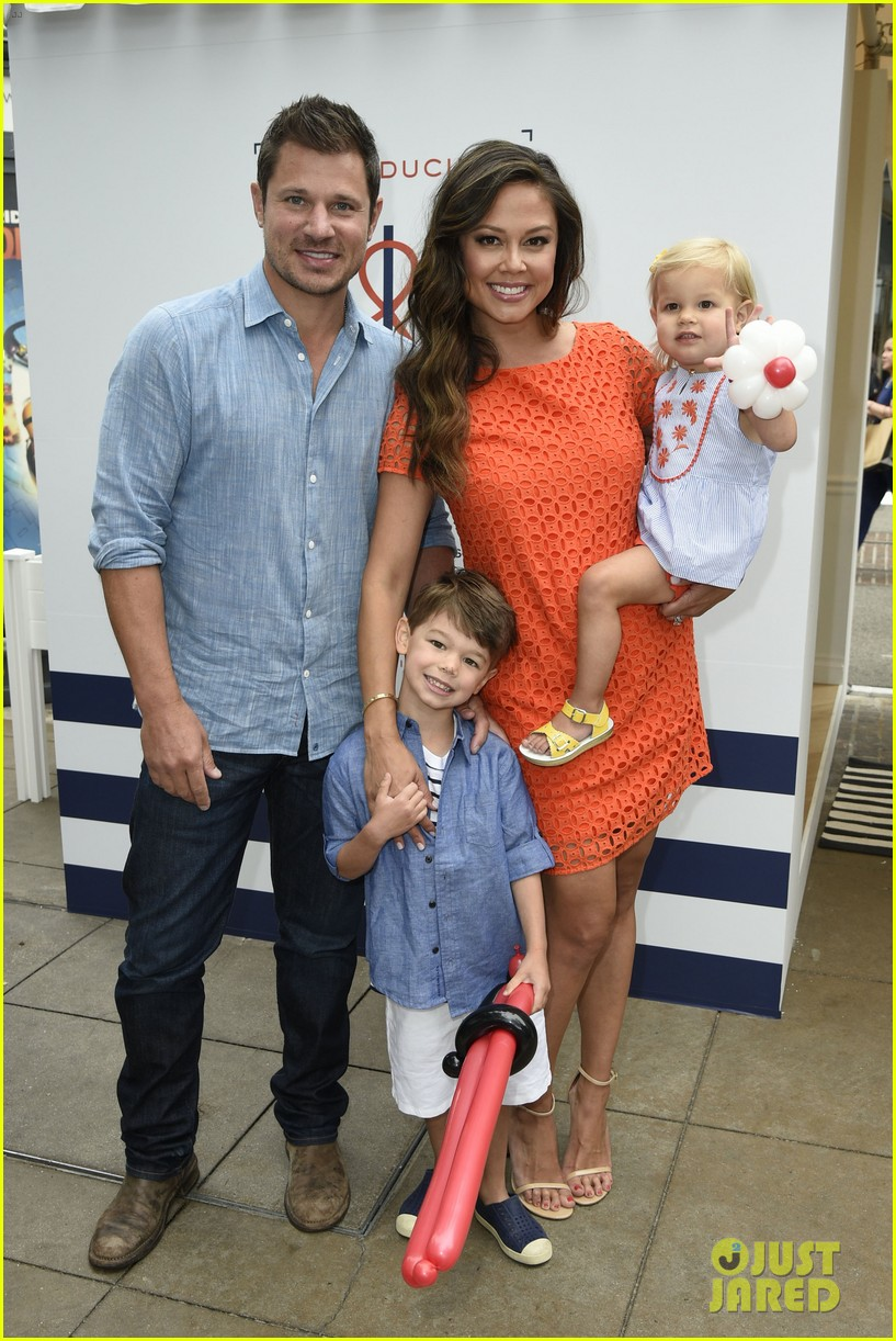 who is dating nick lachey Nick lachey was a musician who came to tree hill to buy the rights to one of haley's songs nick grew up with his family including his brother drew in america.