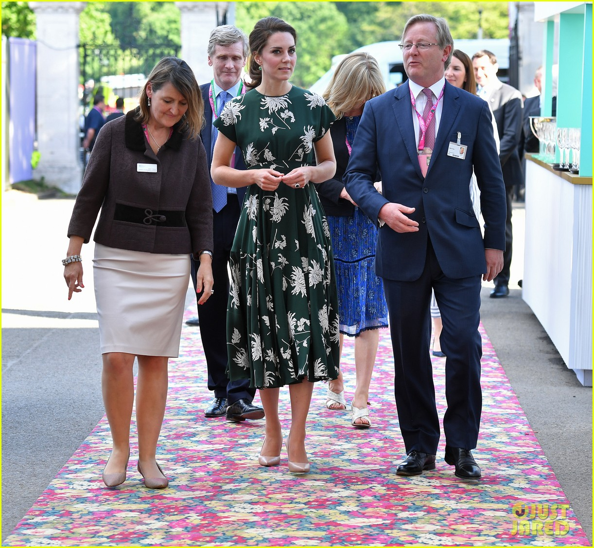 Pippa S Wedding.Kate Middleton Gets Back To Work After Pippa Middleton S Weekend