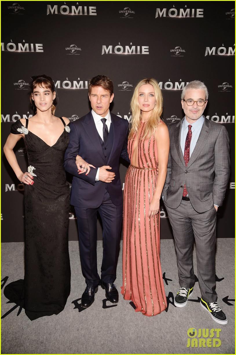 the mummy cast paris premiere 033907172