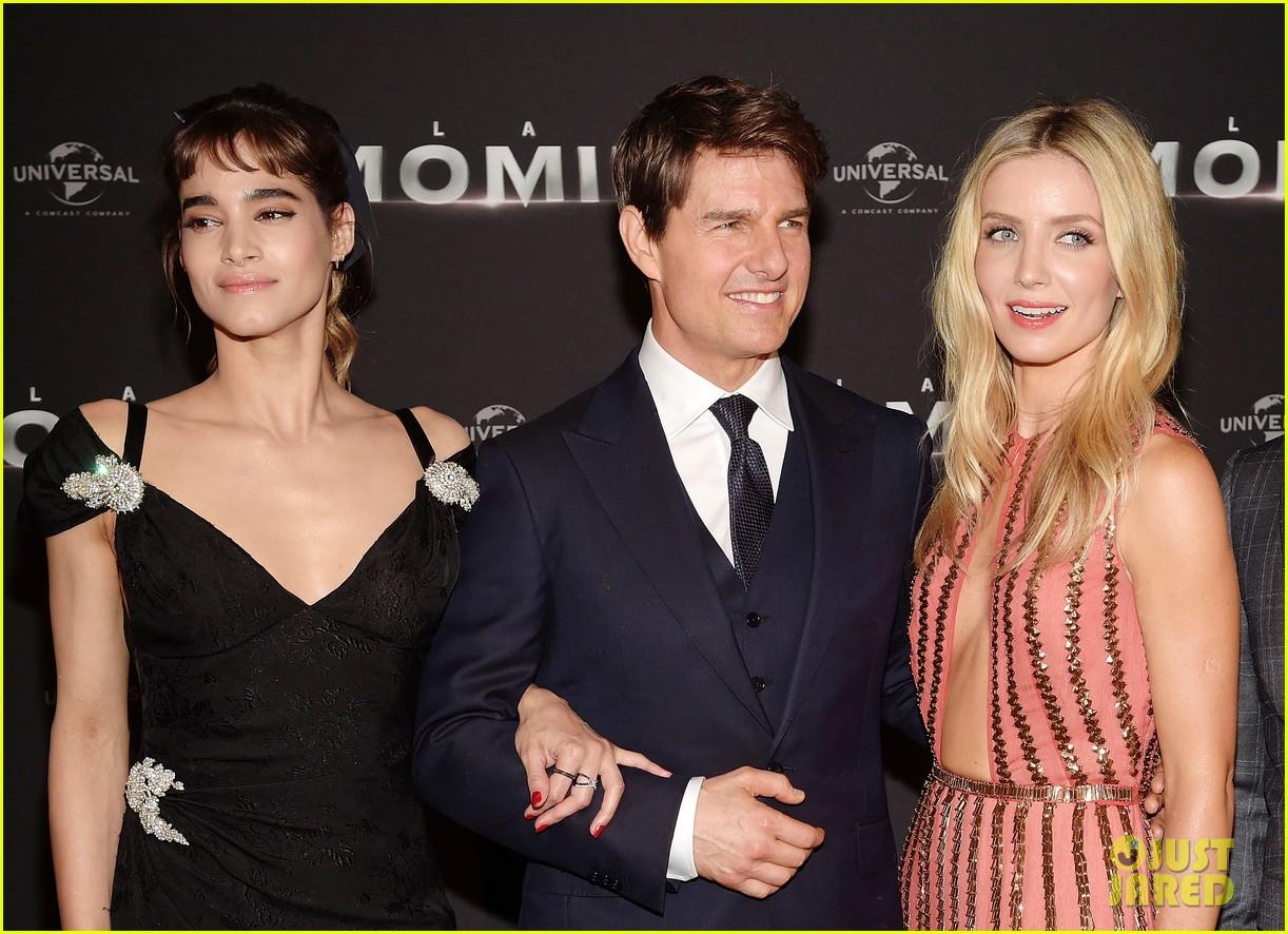 the mummy cast paris premiere 203907189