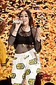 noah cyrus handles her mtv movie tv awrds stage like a boss 05