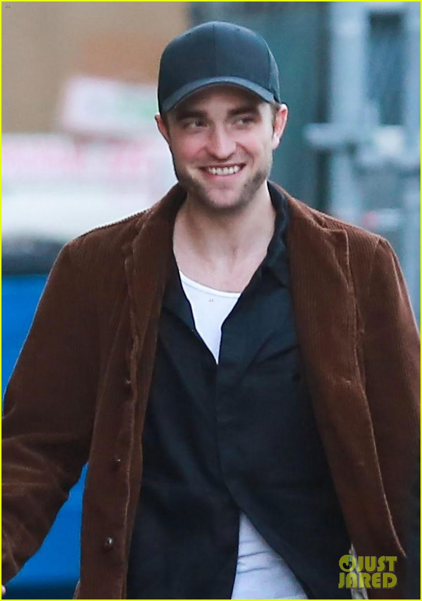 robert pattinson celebrates birthday with fiance fka twigs 043898762