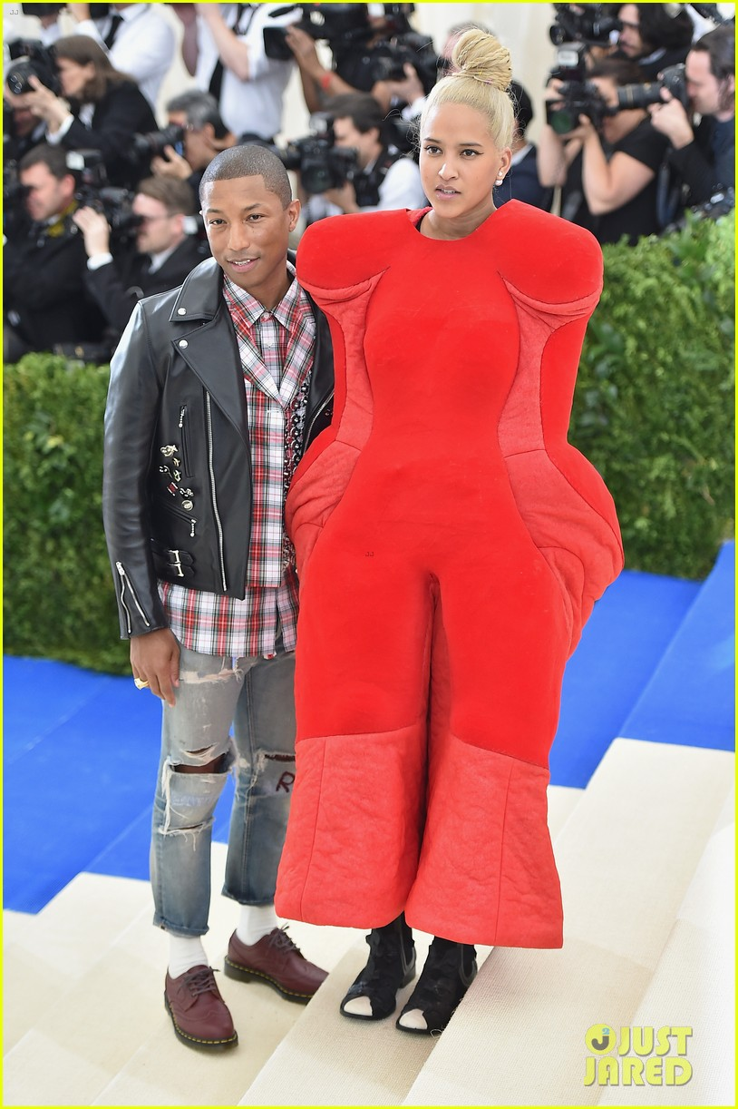 pharrell dating helen lasichanh Pharrell williams and helen lasichanh, coolest couple ever, are you can stop wondering if john boyega and letitia wright are dating.