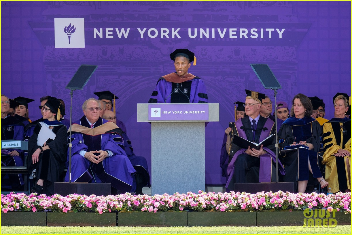 Modern Cap And Gown Nyu Model - Wedding and flowers ispiration ...