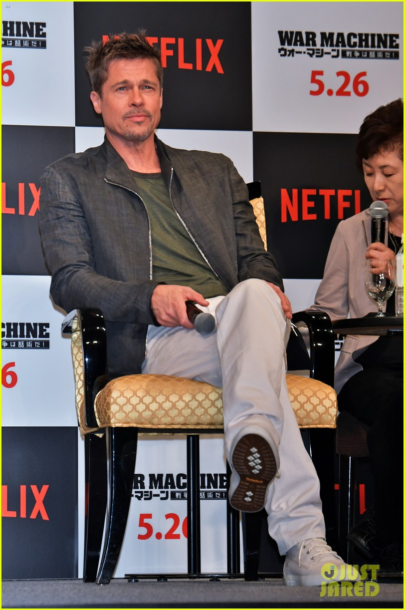 brad pitt brings war machine press tour to tokyo 023903187