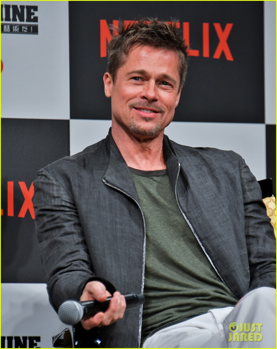 brad pitt brings war machine press tour to tokyo 043903189