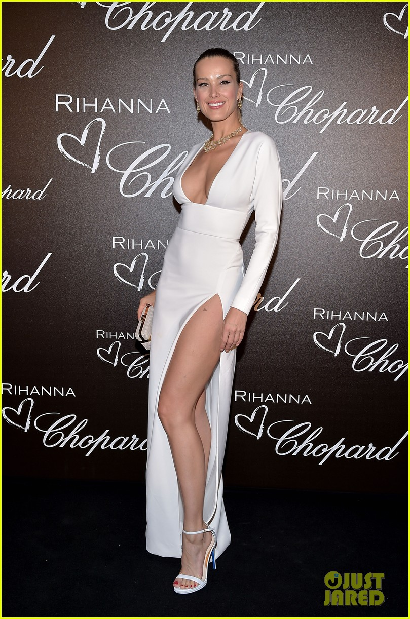 rihanna glams up as chopard guest of honor in cannes 053901084